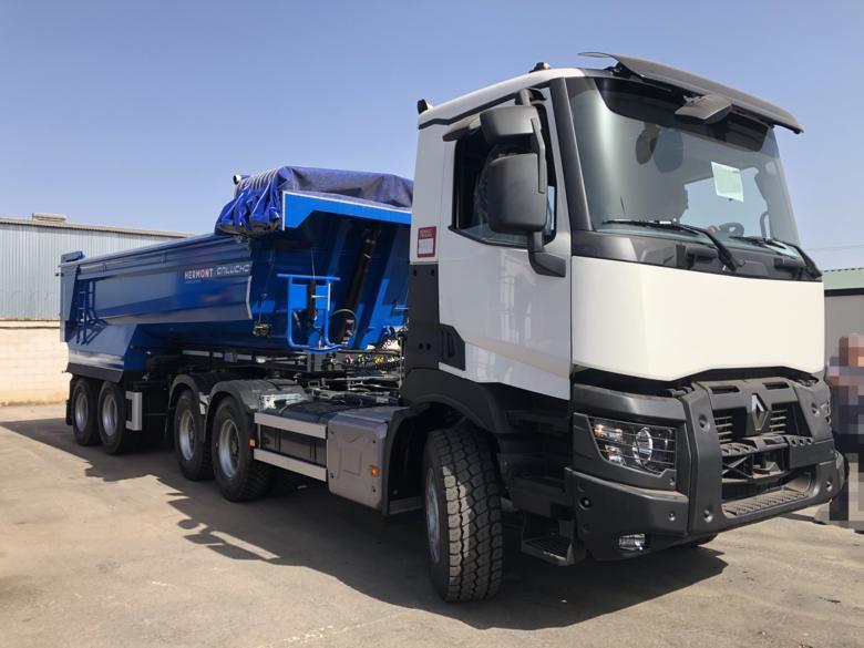 Vehículo POLIVALENTE (Tractora Renault + Dumper Galucho)